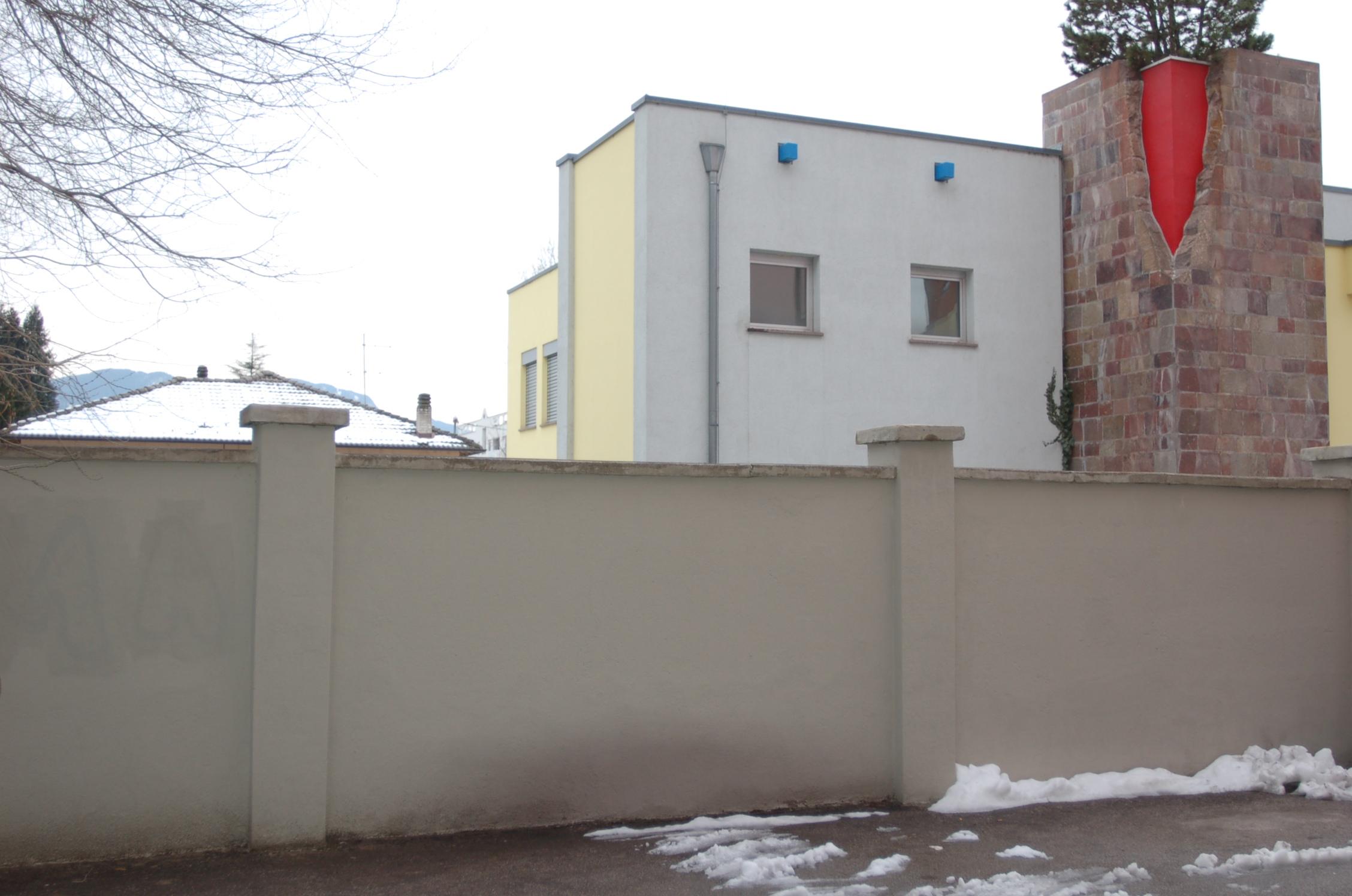Il muro dell'ex Lager di Bolzano in via Resia 80