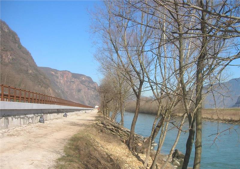Il fiume Adige fra Merano Salorno
