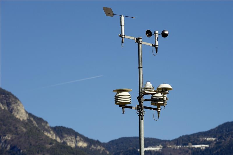 Qualit dell 39 aria in a22 nuova stazione a bressanone for Pensioni a bressanone