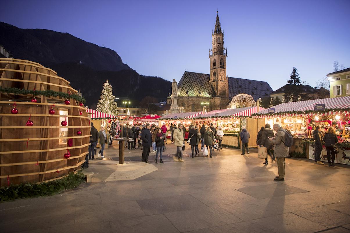 Ecliss Milano E L Ora Del Natale : Mercatini di natale si parte il novembre