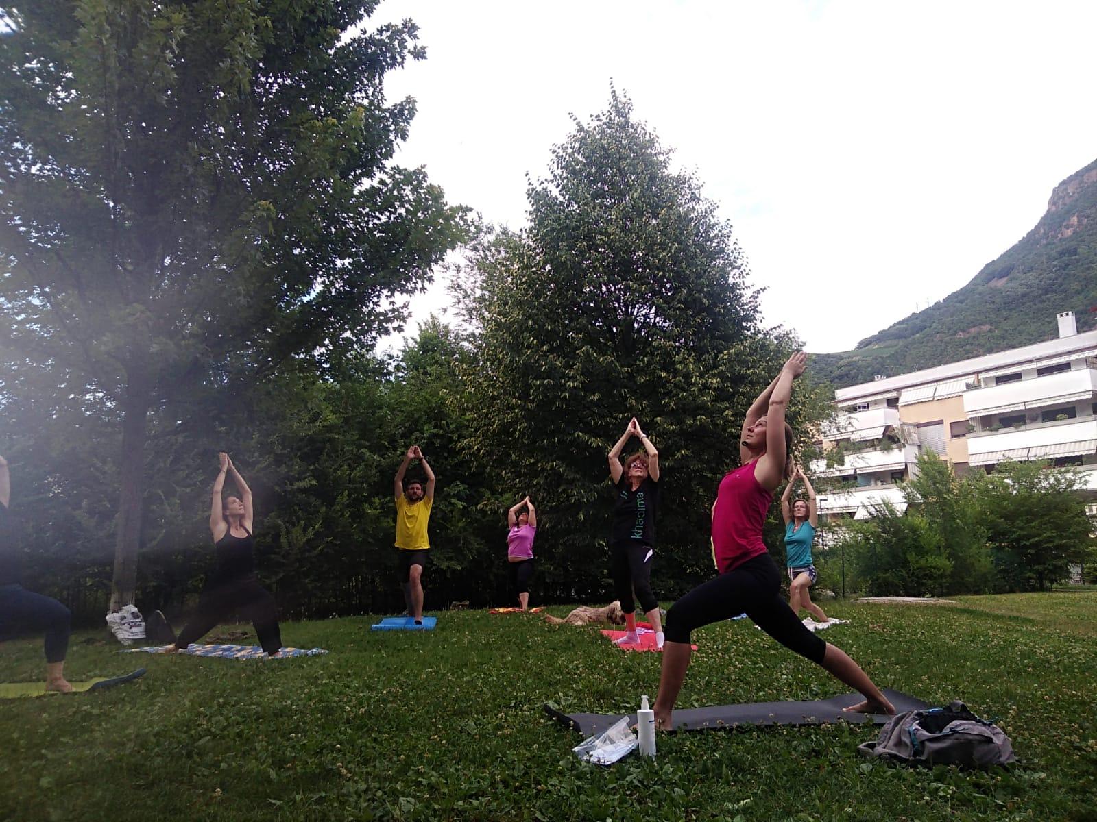 Yoga in Alto Adige: parco Mignone