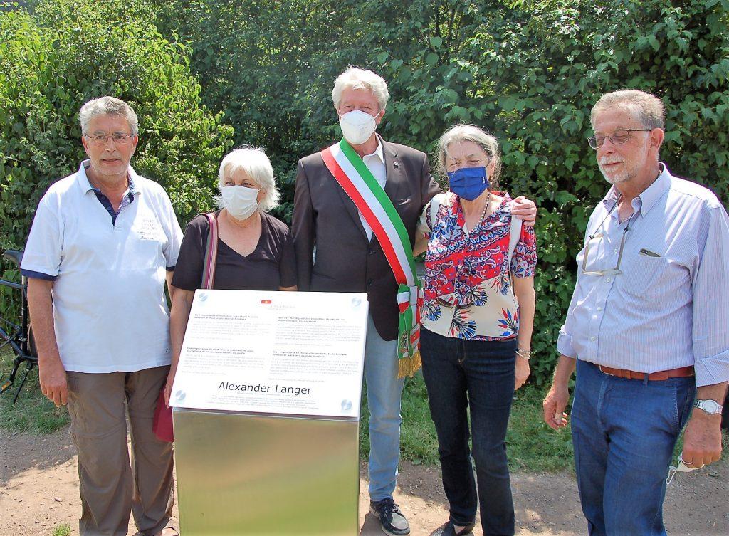 I familiari di Langer con il sindaco Caramaschi